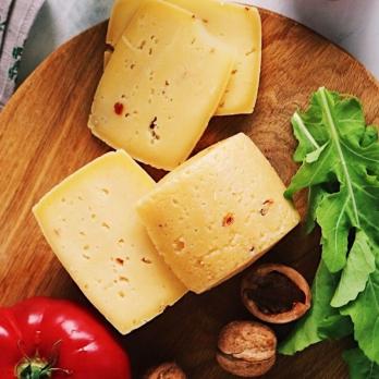 Сыр Качотта с вяленными томатами