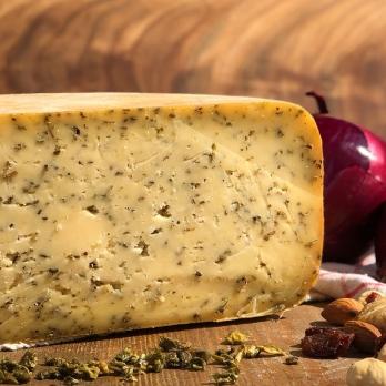 Сыр Качотта с ароматными травами